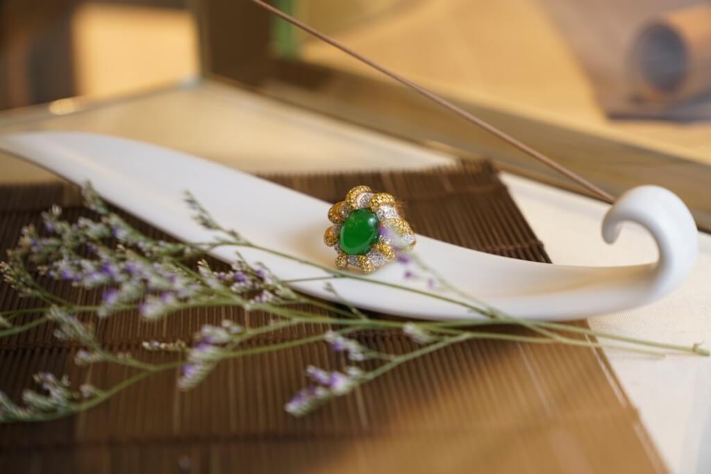 景福珠寶「濃、陽、正、匀」四個色澤衡量元素