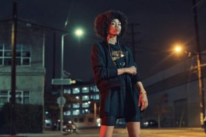 Nike Sportswear 女子連衣裙全新包邊收腰面料 塑造修身美感