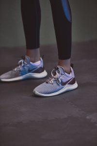 Nike Air Zoom Fearless Flyknit 2全新包邊收腰面料 塑造修身美感